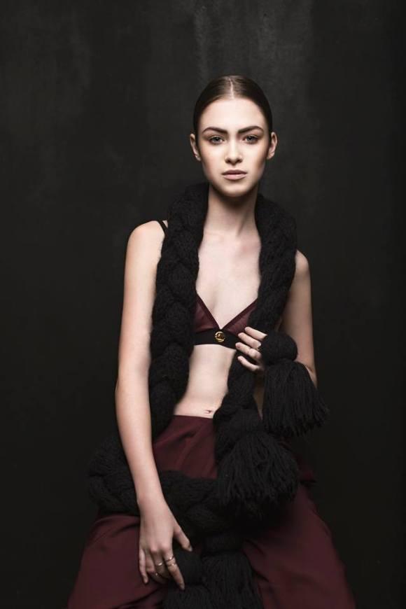 Kristel Kuslapuu, scarf